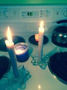 Just a few of the non-holiday candles I've dug out.  On a clean stove!